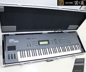 ヤマハのシンセサイザーSY-99