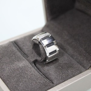 CHAUMETショーメのK18WG ダイヤ入りリング指輪